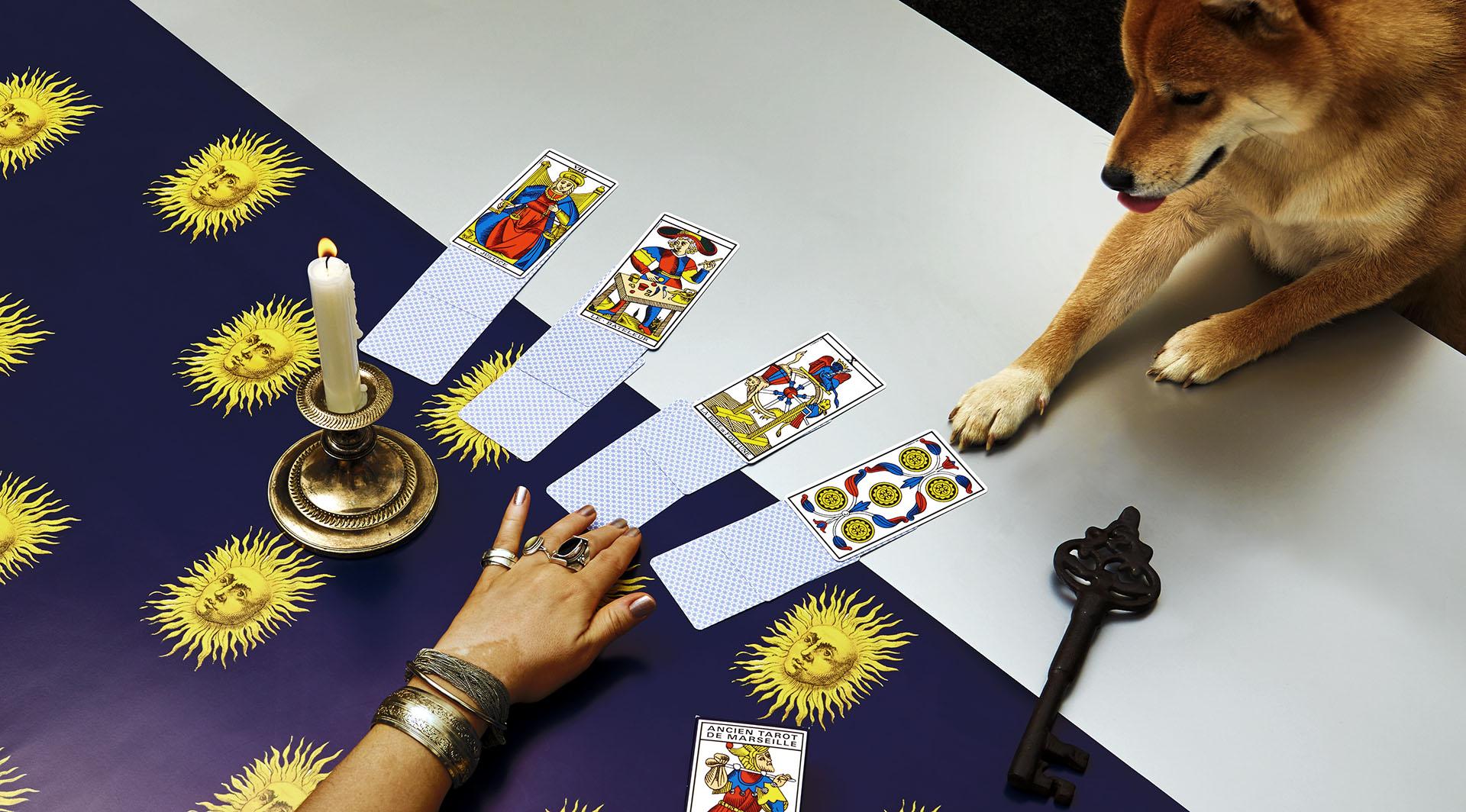 Tirage de cartes avec le Tarot de Marseille Grimaud cartomancie